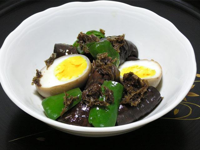 ゆで卵とナスのおかか煮
