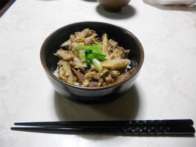 牛肉の柳川丼